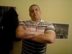 DARIUSZ 43 lat