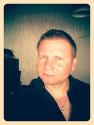 karol 36 lat