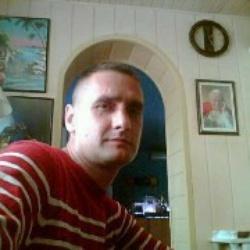 Dariusz 32 lat