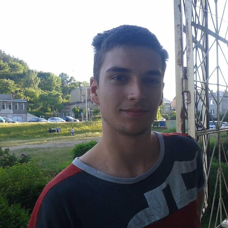 Adrian 18 lat